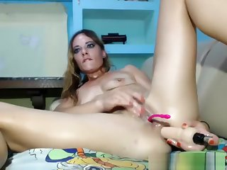 Good Looking Milf Masturbating And Squirting Not unlike Crazy