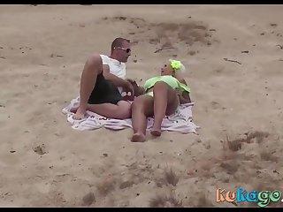 Geiler Peaches am Strand einfach Gefickt