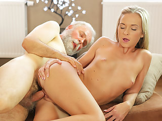 OLD4K. Shanie Ryan finally tries male stick of her Geography