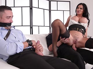 Unusual MILF Jasmine Jae ties up a guy and rides him at be passed on office