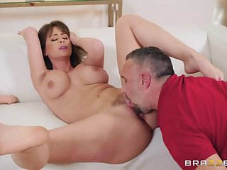 Licking a milf pornstar slut and stuffing his cock inside the brush
