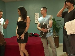 Slut Kianna Bradley serves three hot acclimatized dudes at fifty-fifty length of existence