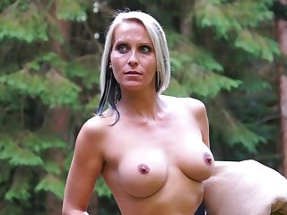 Blue eyed milf tries kinky sexual pleasures in be passed on open-air