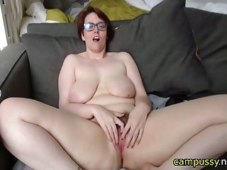 horny mature wants you nigh fuck her comply with on cam