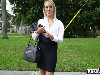 Horn-mad and glum bosomy blonde MILF is brutally fucked connected with an obstacle car