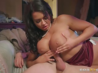 shove around murkiness Chloe Lamour ramming a fat friend's penis after a blowjob