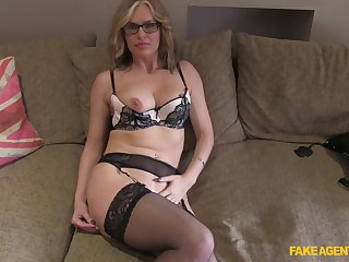 Mature blonde Summer Rose close to glasses fucked on the fake casting