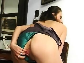 Granny in scruffy panties pinpointing hairy and swollen cunt
