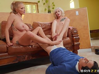 Babes Joslyn James with the addition of Kiara Cole give a lover a footjob with the addition of sexy fuck